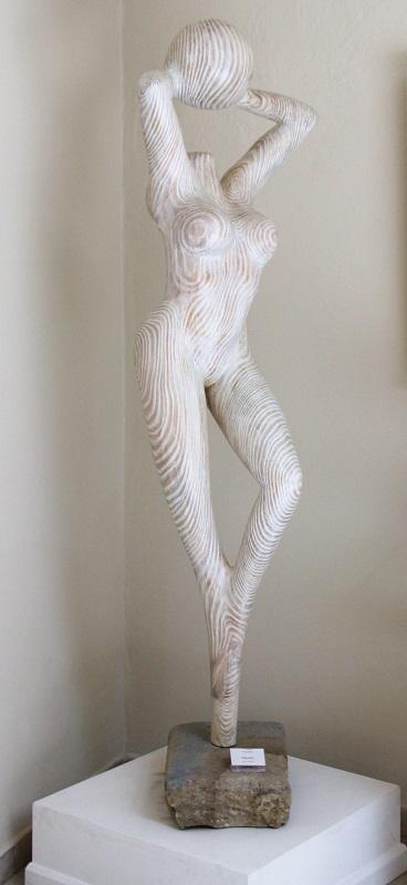 """""""Gioco"""" scultura in pino pezzo unico altezza m. 1,87 base cm. 43"""